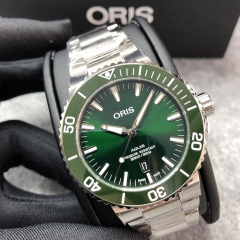 Oris Aquis 43.5mm Stainless Steel Green Dial Automatic 01 733 7730 4157